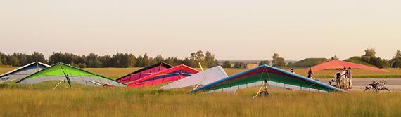 Drachenflieger Gruppe in Altes Lager zur Abend Ausbildung, Aufnahme KaiMartin Knaak Altes Lager 11. Juni 2006.